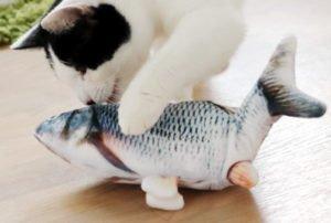 Fast genial: Katzenspielzeug zappelnder Fisch